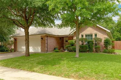 North Richland Hills Single Family Home For Sale: 3817 Park Oaks Court
