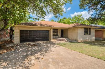 Dallas Single Family Home For Sale: 1835 Sedona Lane