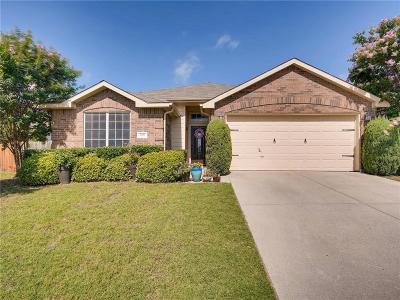 Fort Worth Single Family Home For Sale: 4621 Barnhill Lane