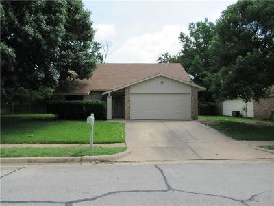 Bedford Single Family Home For Sale: 2401 Sage Lane