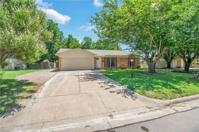 Burleson Single Family Home Active Contingent: 104 NW Suzanne Terrace