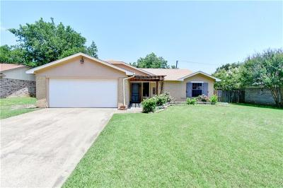 Benbrook Single Family Home For Sale: 1309 Timbercrest Drive