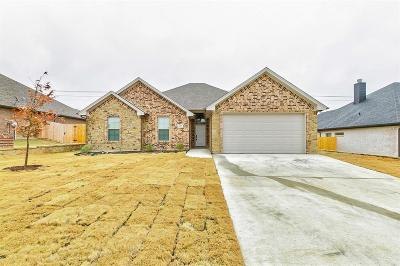 Cleburne Single Family Home For Sale: 1603 Summercrest Drive