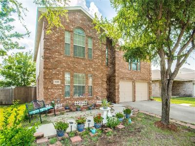 Fort Worth Single Family Home For Sale: 8409 Three Bars Drive