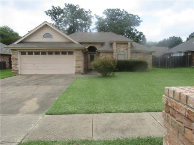 Keller Single Family Home For Sale: 349 Cindy Court