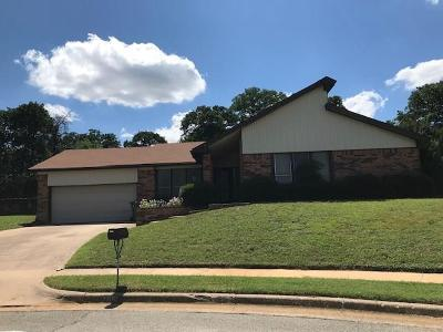 Bedford Single Family Home For Sale: 3812 Steeplewood Court