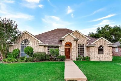 Grand Prairie TX Single Family Home For Sale: $269,900