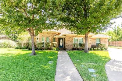 Hurst Single Family Home For Sale: 500 Highland Park Drive