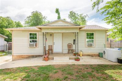 Fort Worth Single Family Home For Sale: 2105 Daniel Street