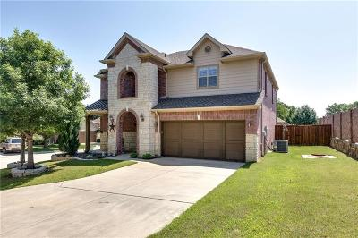 Bedford Single Family Home For Sale: 2412 Creek Villas Drive