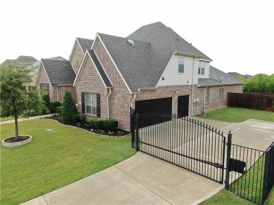 Tarrant County Single Family Home For Sale: 709 Crater Lake Circle