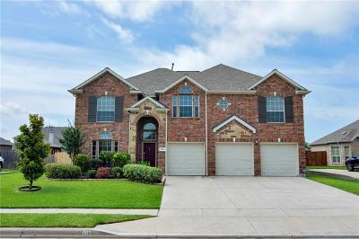 Fort Worth Single Family Home For Sale: 1105 Victory Bells Drive