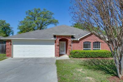 Azle Single Family Home For Sale: 617 Madeline Court