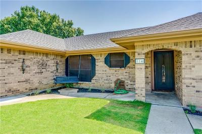 Denton County Single Family Home For Sale: 114 Colonial Heights