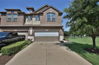 Plano TX Townhouse Active Option Contract: $274,900