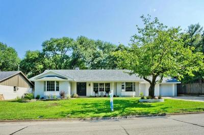 Bedford Single Family Home For Sale: 604 Annette Drive