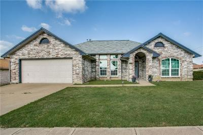 Benbrook Single Family Home For Sale: 7100 Stonegate Drive