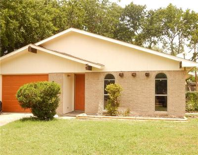 Grand Prairie Single Family Home Active Option Contract: 514 Wildflower Drive