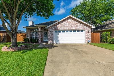 Keller Single Family Home For Sale: 2118 Ridgecliff Drive
