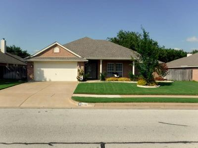 Burleson Single Family Home For Sale: 836 Heberle Drive