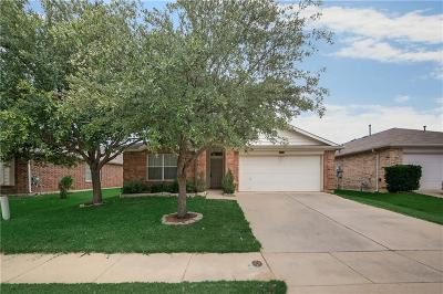 Tarrant County Single Family Home For Sale: 1801 Two Hawks Drive