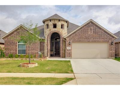 Denton County Single Family Home For Sale: 105 Derby Lane