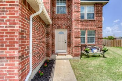 Fort Worth Single Family Home For Sale: 900 Stone Chapel Way