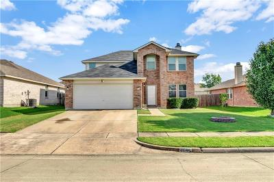 Grand Prairie Single Family Home For Sale: 2044 Crosbyton Lane