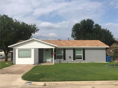 Blue Mound Single Family Home For Sale: 601 Globe Avenue
