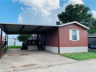 Denton County Single Family Home For Sale: 4000 Ace Lane #67