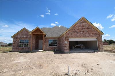 Cleburne Single Family Home For Sale: 905 Bentwood Lane
