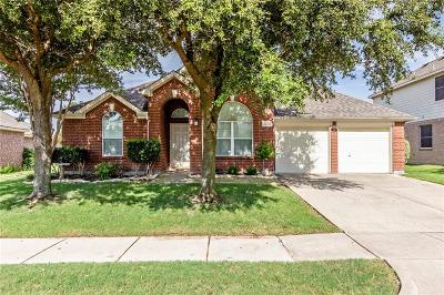 Fort Worth Single Family Home Active Contingent: 5009 Comstock Circle