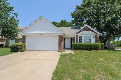 Fort Worth TX Single Family Home For Sale: $181,000