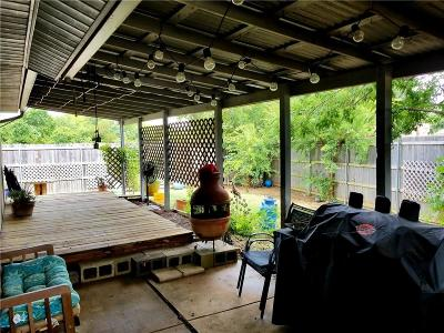 Grand Prairie Single Family Home For Sale: 3126 S Holiday Drive