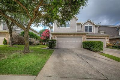 Plano Townhouse For Sale: 9849 Castlewood Drive