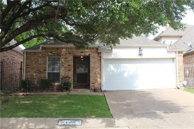 Grand Prairie TX Single Family Home For Sale: $155,000