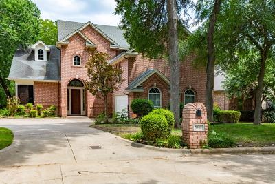 Fort Worth Single Family Home For Sale: 5832 Forest Bend Place