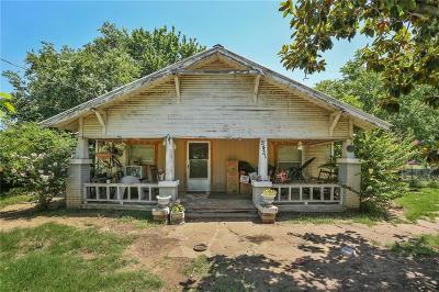 Haltom City Single Family Home For Sale: 5431 Bakers Lane