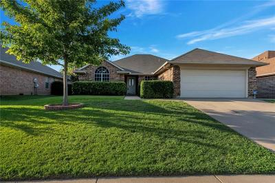 Saginaw Single Family Home For Sale: 1032 Roundrock Drive