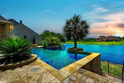 Single Family Home For Sale: 9 Waters Edge Court