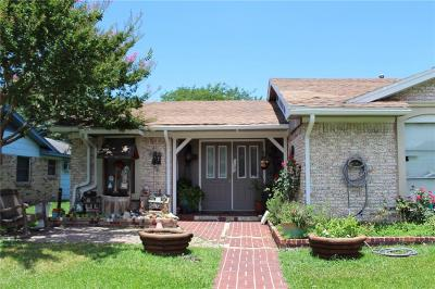 Garland Single Family Home For Sale: 1121 Birchwood Drive