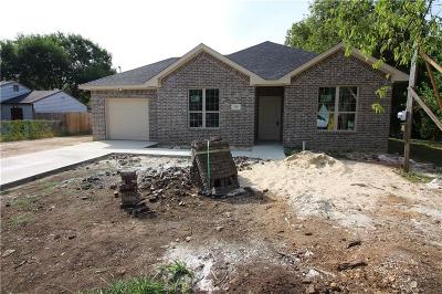 Cleburne Single Family Home Active Option Contract: 705 Poindexter Avenue