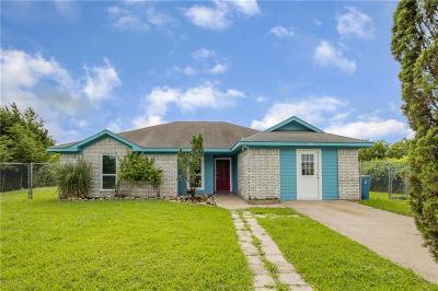 Alvarado Single Family Home For Sale: 104 Helen Street