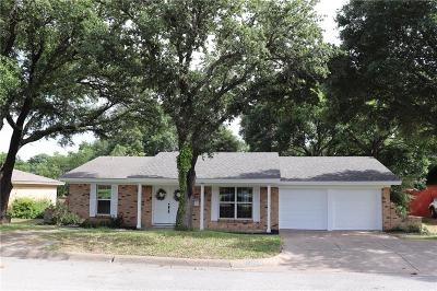 Benbrook Single Family Home For Sale: 8025 Westvale