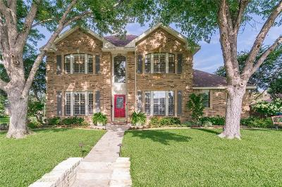 Single Family Home For Sale: 213 Whispering Hills Drive