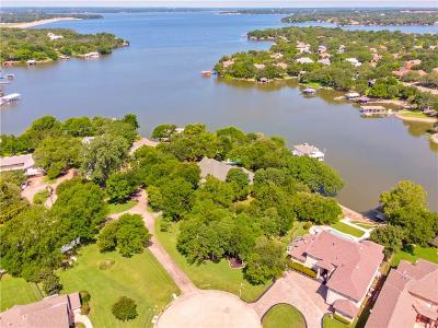 Fort Worth Single Family Home For Sale: 8640 Waterfront Court