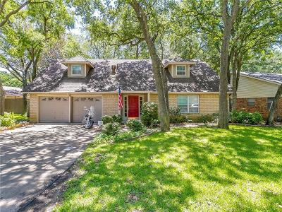 Arlington Single Family Home For Sale: 2004 Mosswood Court