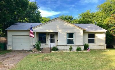 Arlington Single Family Home For Sale: 1705 Stewart Drive