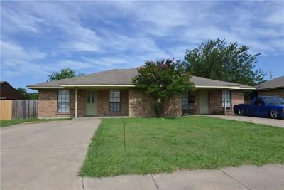 Red Oak TX Multi Family Home Active Option Contract: $195,000
