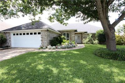 Benbrook Single Family Home For Sale: 10200 Fieldcrest Drive